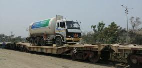 गुजरात से मुंबई पहुंची ऑक्सीजन एक्सप्रेस, रेलवे ने बनाया था ग्रीन कॉरिडोर