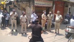 नागपुर : लॉकडाउन में शुरू दुकानें बंद करवाने पहुंची पुलिस