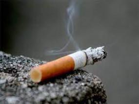 कोरोना काल में सिगरेट-बीड़ी की बिक्री पर लगे रोकः हाईकोर्ट