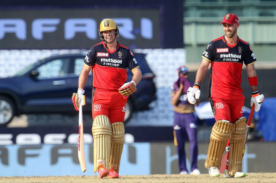 IPL 14 RCB vs KKR: डीविलियर्स-मैक्सवेल की तूफानी पारियों से बेंगलोर ने लगाई जीत की हैट्रिक, कोलकाता को 38 रन से हराया