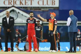 SRH vs RCB IPL Live Score: भुव्नेश्वर ने बेंग्लौर को दिया पहला झटका, देवदत्त पडिक्कल 11 रन बनाकर पवेलियन लौटे