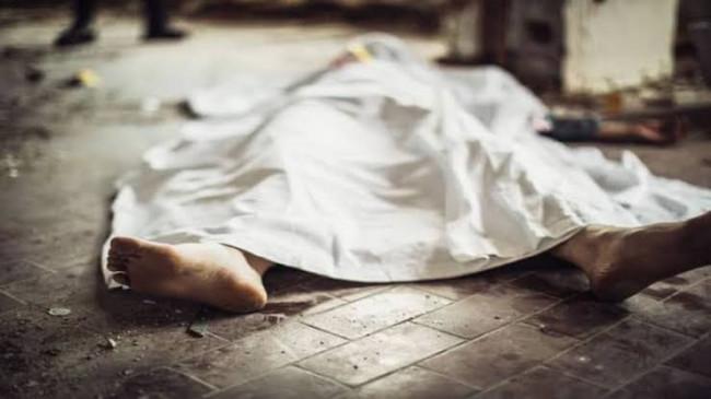 घर में ही पड़ा रहा कोरोना पीडि़त का शव, पुलिस पहुँची तब खुला राज