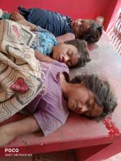नदी के कुंड में डूबने से एक ही परिवार के तीन बच्चों की मौत - मृतकों में दो सगी बहनें