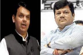 रेमडेसिविर को लेकर बवाल, कंपनी निदेशक से पूछताछ करने पर नाराज भाजपा नेता पहुंचे थाने- कांग्रेस, राकांपा ने उठाए सवाल