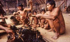 इस देश के लोग अंतिम संस्कार में खाते हैं लाशें , अजीब हैं ये परम्परा