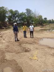 35 ट्राली रेत का अवैध भंडारण जब्त -भरतादेव फिल्टर प्लांट चांद में पकड़ाया अवैध रेत का भंडार, खनिज और राजस्व विभाग की टीम ने की कार्रवाई