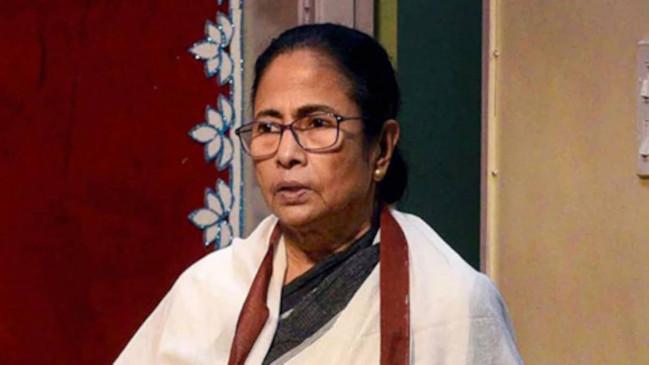 West Bengal: सीएम ममता बनर्जी के 43 नए मंत्री शपथ ली
