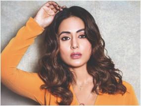 हिना खान रहना चाहती हैं अकेले, कहा- बात करने का मन नहीं