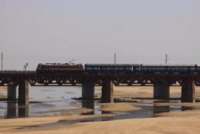 अलर्ट - तेज हवा के दौरान एनिमोमीटर बचाएगा ट्रेन दुर्घटनाएँ, पुल पर बाढ़ आते ही बजेगा खतरे का अलार्म