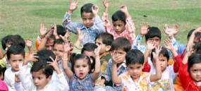 कोरोना से अनाथ हुए बच्चों पर असामाजिक तत्वों की नजर, सरकार ने कहा-कठोर कार्रवाई होगी, हेल्पलाइन नंबर जारी