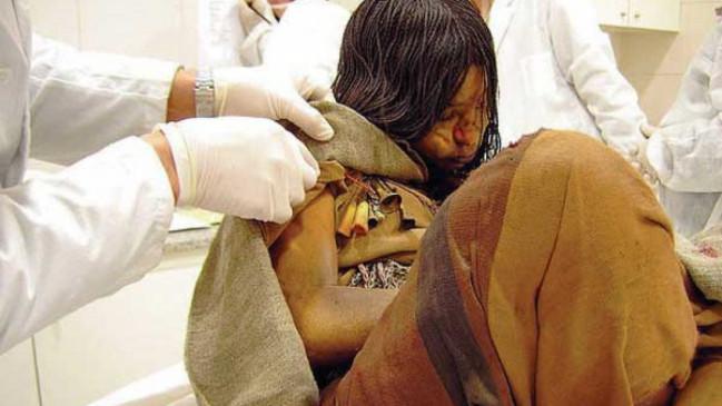 अजब-गजब: 500 साल से दफन हैं लड़की की लाश, लेकिन शरीर में खून और बालों में हैं जूएं