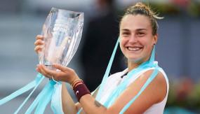 Madrid Open: विश्व की नंबर-1 टेनिस खिलाड़ी एश्ले बार्टी को हराकर मैड्रिड ओपन चैंपियन बनीं एरीना सबालेंका