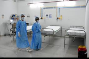 कोरोना से जंग - 1200 बेड के 5 कोविड केयर सेंटर, मरीज मात्र 117