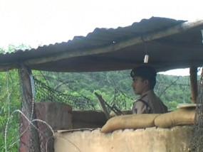 कोरोना संक्रमित हो गए हैंनक्सकली - छुपकर करा रहे गांव में इलाज , पिछले 15 दिन में नहीं दिखी कोई गतिविधियां