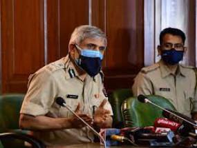 डीजीपी पांडे का परमबीर सिंह की जांच करने से इंकार, पुलिस महानिदेशक पर लगाया दबाव डालने का आरोप