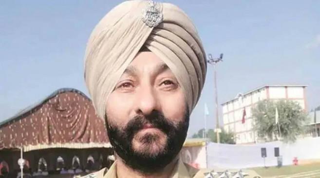 J&K: आतंकवाद के मामले में गिरफ्तार सस्पेंडेड डीएसपी दविंदर सिंह सेवा से बर्खास्त