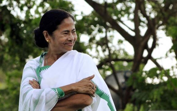 दीदी की ताजपोशी: विधायक दल की नेता चुनी गई ममता बनर्जी, 5 मई को लेंगी शपथ