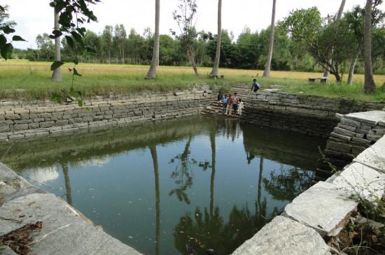 मॉनसून के पानी के संरक्षण के लिएमीनाताई ठाकरे जल भंडारण योजना