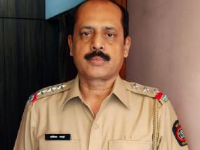 मुंबई पुलिस ने API सचिन वाजे को सेवा से बर्खास्त किया, एंटीलिया मामले में है आरोपी