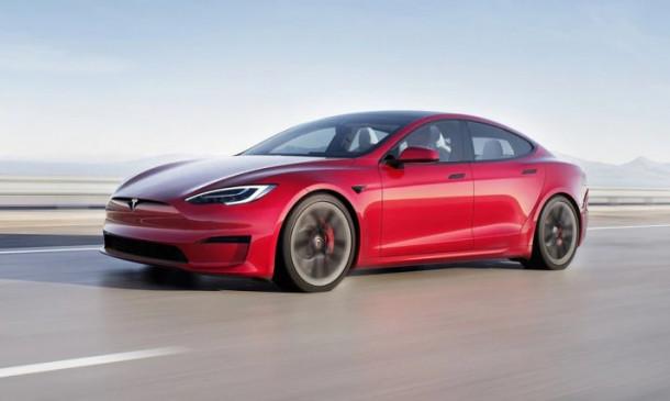 Tesla Model S Plaid को लेकर Elon Musk ने की घोषणा, जानें कब होगी इस कार की डिलीवरी