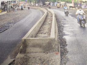 घमापुर-रांझी स्मार्ट रोड को मजाक बना दिया निगम ने, बीच की सड़क का टेंडर ही नहीं हुआ