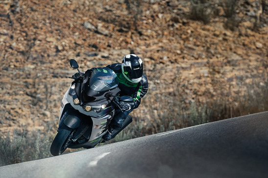 Kawasaki introduces new Ninja ZX-14R, learn what's special about the new update