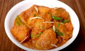 Alu Karahi: खाने में बनाएं स्वादिष्ट चोलिस्तानी आलू कराही, जानें बनाने की विधि