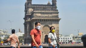 महाराष्ट्र के 21 जिलों में 5 फीसदी से कम हुई कोरोना पॉजविटी दर, सोमवार से मिलेगी और छूट