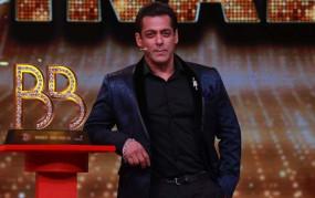 """Bigg Boss 15: रिया चक्रवर्ती से लेकर निया शर्मा तक """"बिग बॉस 15"""" में दिखेंगे ये सेलेब्रीटिज़!"""