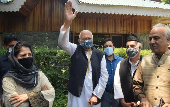 PM मोदी की बैठक में शामिल होगा गुपकर गठबंधन, महबूबा बोली- पाक से भी बात करे मोदी सरकार