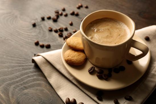 """Health: कॉफी से करें """"लो ब्लड प्रेशर"""" कंट्रोल, बादाम से बनेगा संतुलन"""