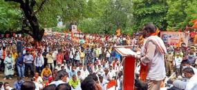 बीड़ में मराठा समुदाय का मोर्चा, सरकार को एक महीने का अल्टीमेटम