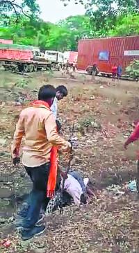 नागपुर : बेटी से छेड़छाड़ करने वाले की दौड़ा-दौड़ा कर पिटाई