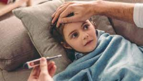 नई मुसीबत : संक्रमण से ठीक होने पर भी बच्चे हो रहे हैं बीमार, जल्द आ रहा है टीका