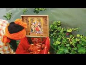 गंगा नदी में एक बक्से में नवजात बच्ची मिली, सीएम योगी ने कहा- प्रदेश सरकार लालन-पालन का पूरा प्रबंध करेगी