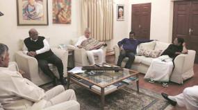 शरद पवार के घर पर हुई विपक्षी दलों की बैठक, चुनावी राज्यों में गठबंधन की संभावना तलाशेंगे प्रफुल्ल पटेल