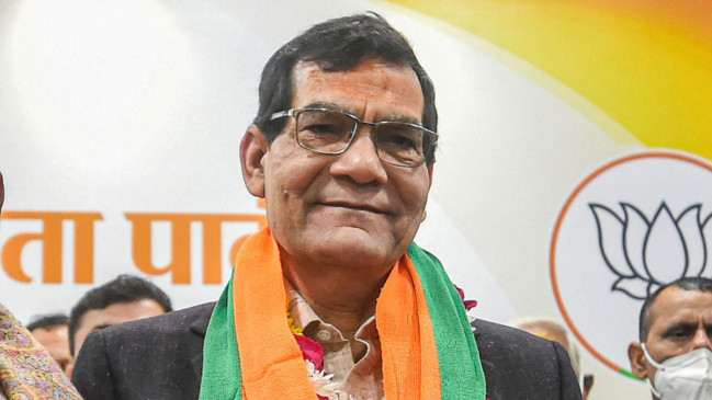 मोदी के करीबी का दावा, उत्तर प्रदेश चुनाव जीतने के लिए प्रधानमंत्री का नाम ही काफी है