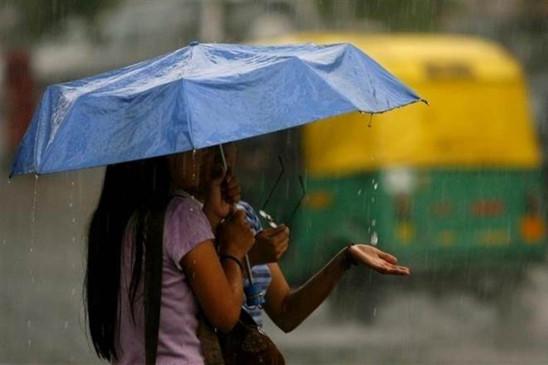 HEALTH:  बारिश के मौसम में रखे सेहत का ख्याल, अपनाएं ये 5 उपाय