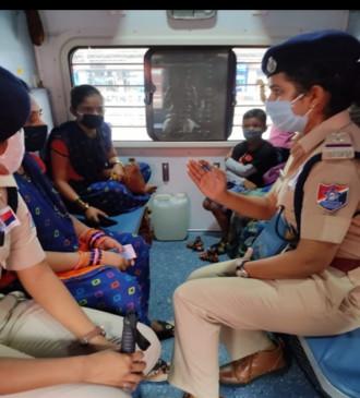 सोशल मीडिया की मदद से होगी महिला यात्रियों की सुरक्षा, चेहरापहचाने वाले कैमरों का इस्तेमाल