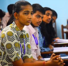 भारत की खुशी को मिली ढाई करोड़ की स्कॉलरशिप, अमेरिका के कॉलेज में संवरेगा भविष्य