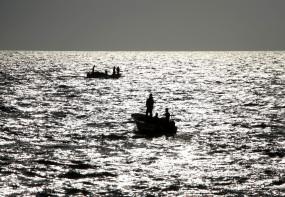 बिहार में उफनती बागमती नदी में नाव पलटी, 6 की मौत