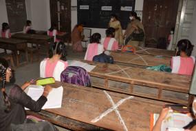 2 अगस्त को स्कूल खोलने के फैसले पर गहलोत सरकार पर निशाना