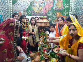 श्रावण के पहले सोमवार पर आज मंदिरों में हुआ अभिषेक पूजन-पाठ