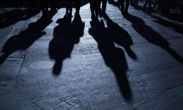 एमपी की लुटेरी पुलिस गैंग पर कार्रवाई, तीन पुलिसकर्मी बर्खास्त, चलती ट्रेन में 3 सराफा कारोबारियों से छीने थे 60 लाख