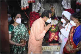 आषाढ़ी एकादशी पर मुख्यमंत्री उद्धव ठाकरे ने पत्नी संग की पूजा, वर्धा के कोलते दंपति को मिला महापूजा का सम्मान