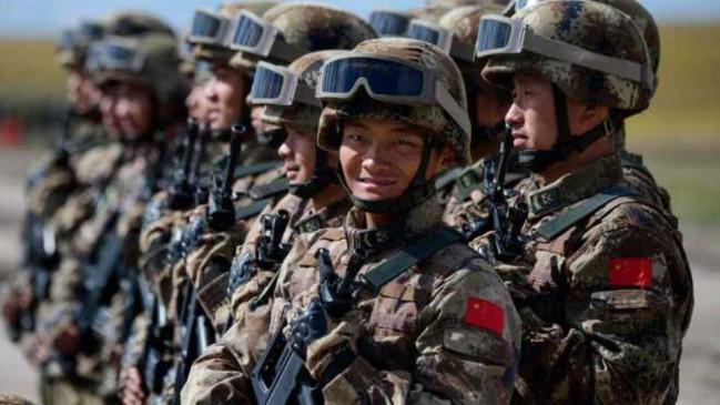 इंडियन आर्मी को टक्कर के लिए चीन का नया दाव, प्रत्येक तिब्बती परिवार के एक सदस्य को पीपुल्स लिबरेशन आर्मी में कर रहा शामिल