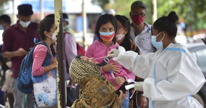 Coronavirus: भारत में पिछले 24 घंटों में 39,742 नए मामले दर्ज किए गए, शनिवार की तुलना में थोड़ा अधिक