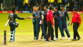 Ind vs SL 3rd T20I: भारत के 23 रन पर दो विकेट गिरे, धवन के बाद पडिक्कल भी लौटे पवेलियन