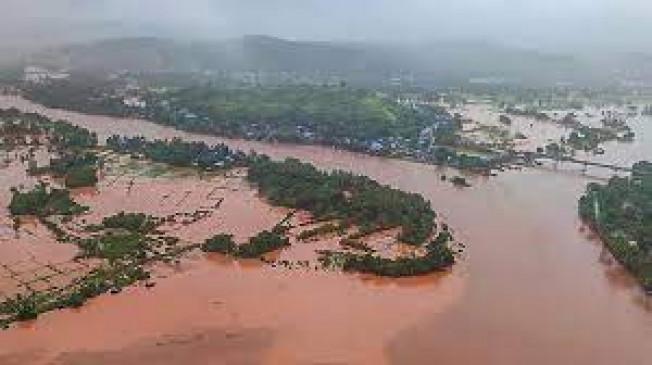 Maharashtra : बाढ़ से कोहराम - 25 हजार पशुओं की गई जान, मृतकों का सरकारी आंकड़ा 164 तक पहुंचा और 100 लापता