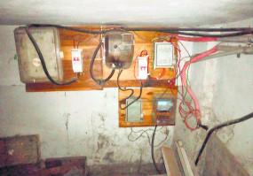 महावितरण ने 27 बकायादारों से वसूले 6 लाख , दो जगह बिजली चोरी पकड़ी